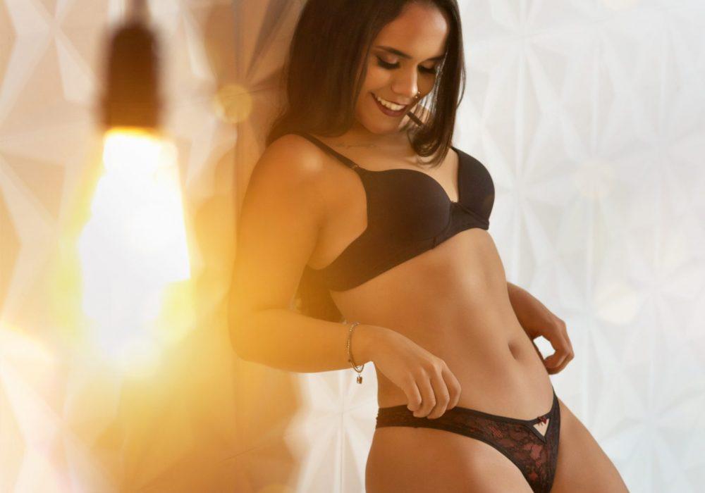 woman-wearing-black-bra-and-panty-set-1351912